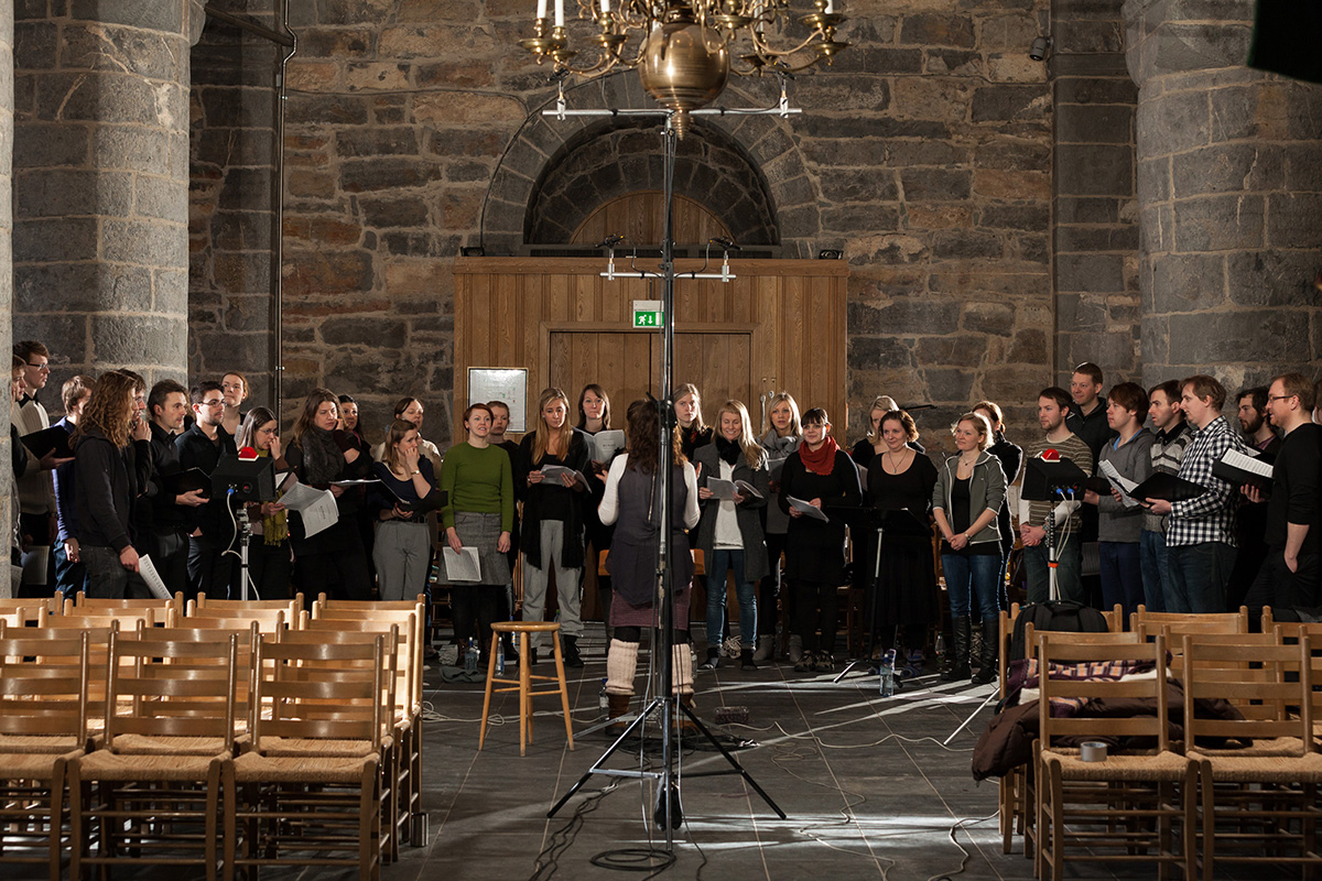 2L Hymn to the Virgin – Schola Cantorum. Tone Bianca Sparre Dahl. Gamle Aker Church, Norway.