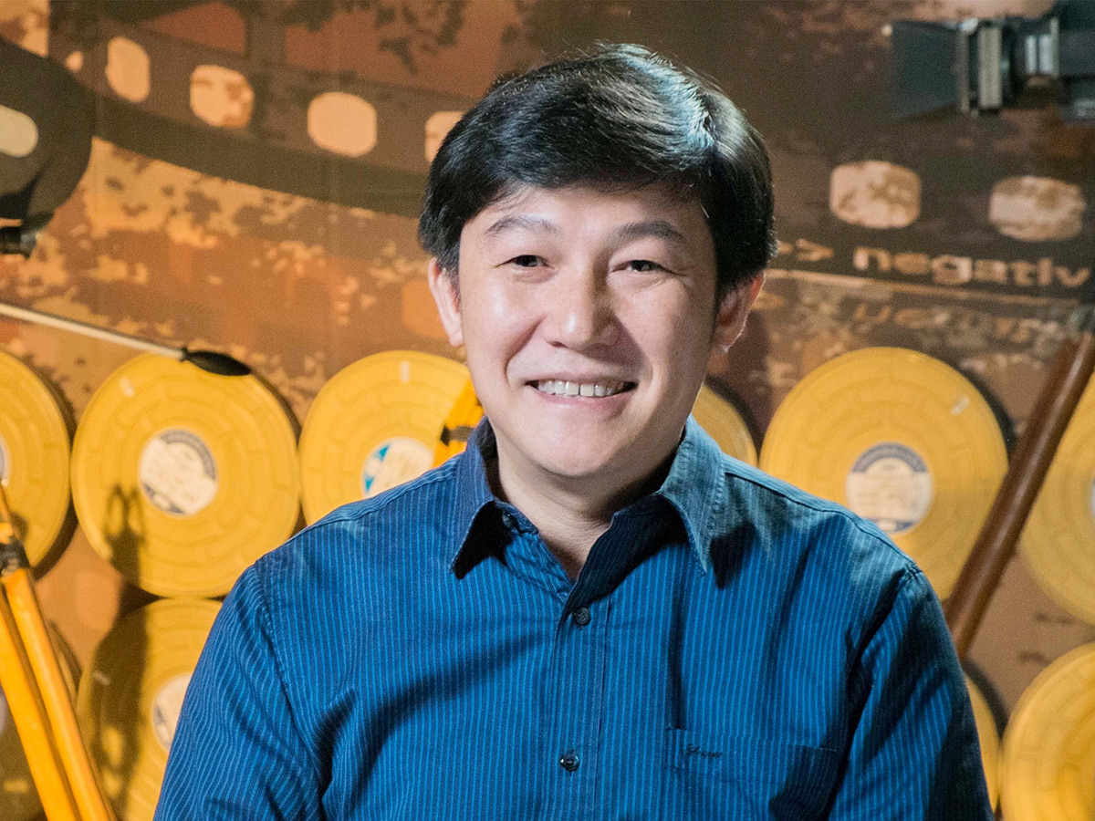 The Dean of the Sound School, Professor Tong Lei