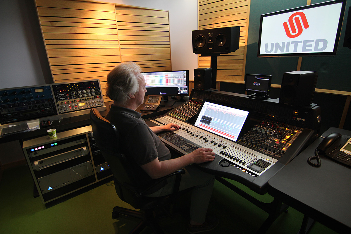 United Studio with Rob and a Genesys Black
